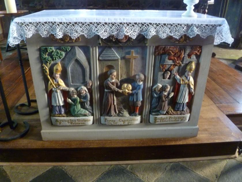 L'autel actuel présenté aux paroissiens actuels