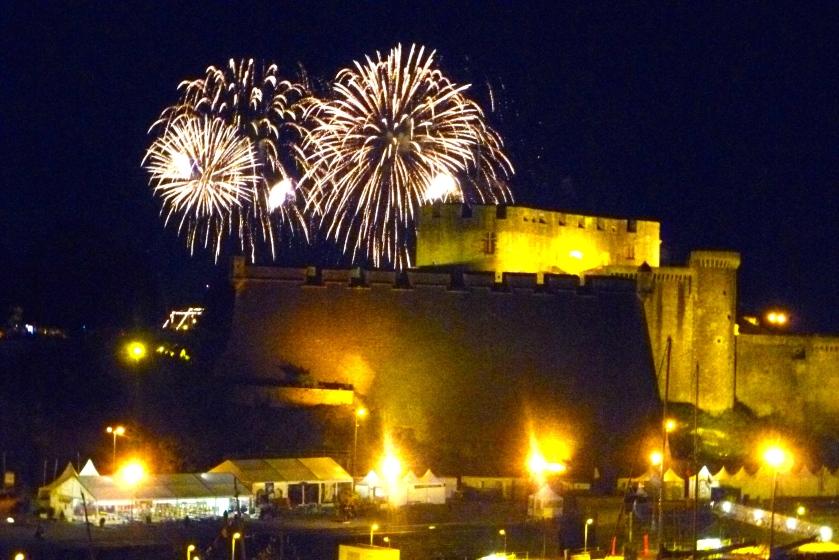 Feux d' artifice 14 juillet 2016. Chateau de Brest